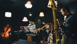 La banda Charango durante un concierto. /ALEJANDRA SÁNCHEZ-ColectivoWarmiPhoto