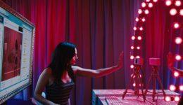 Un fotograma de la película Cam.