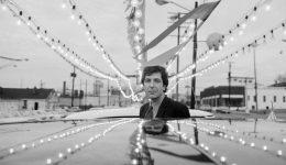F2 Leonard-Cohen-1