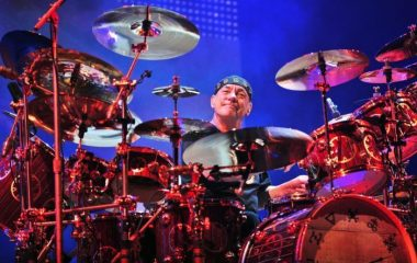 F2 neil-peart-drums