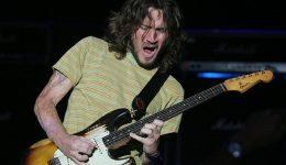FOTO TEXTO 2 frusciante