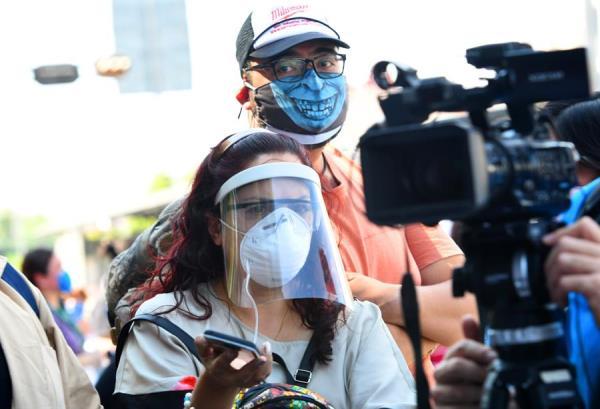 periodistas covid