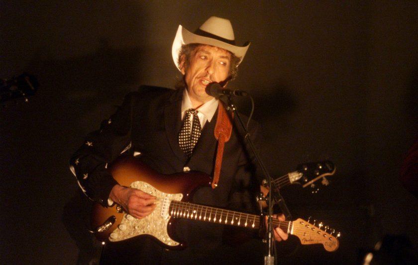 F1 Bob-Dylan