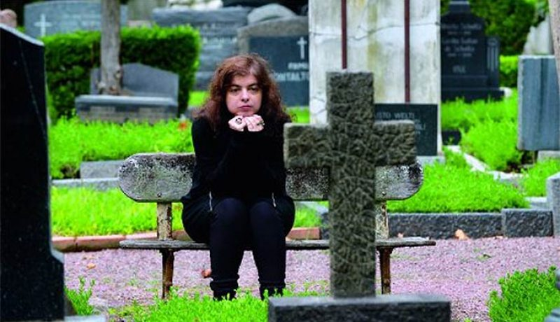 Mariana Enriquez tumba