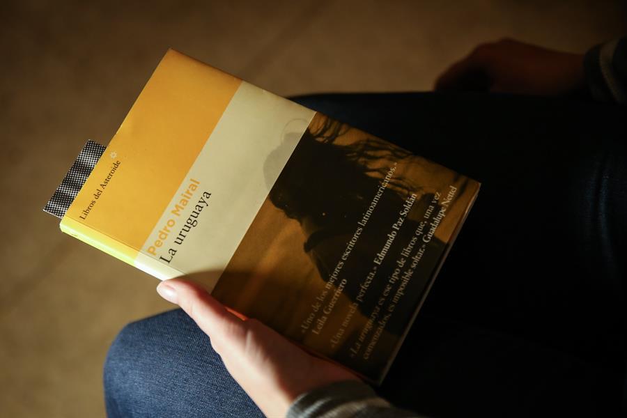 La uruguaya libro