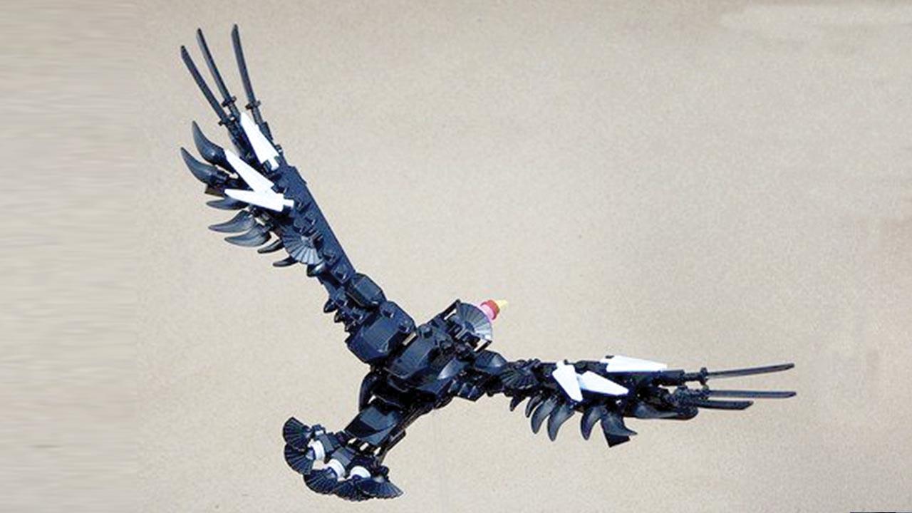 Condor de legos